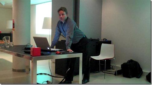 Roel Hans presenting